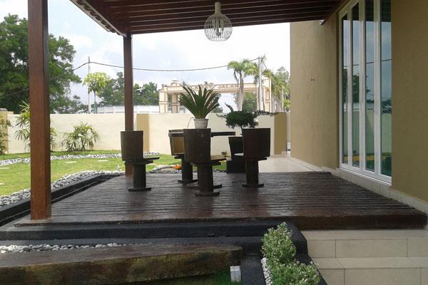 Best landscape contractor malaysia for Balcony design ideas malaysia